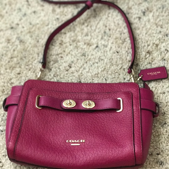 competitive price save up to 60% classic style of 2019 Coach Blake Crossbody IBubbleLeather IM/Cranberry NWT